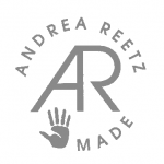 logo andrea_hellgrau